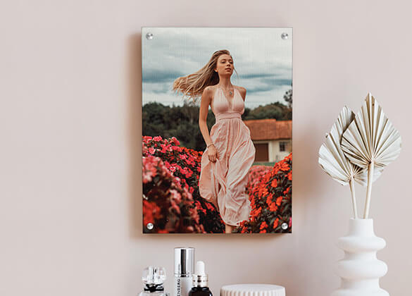 Create the Perfect Union between the Colour of the Wall with the Photo Board